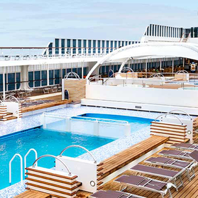 MSC Armonia pool deck
